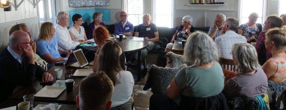 Smers seminarium om åldersgränser i vården på Creperie&Logi, Visby.